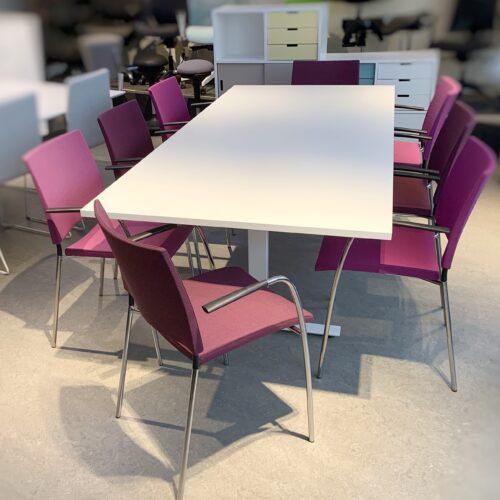 Lammhults Spira stolar med nytt konferensbord